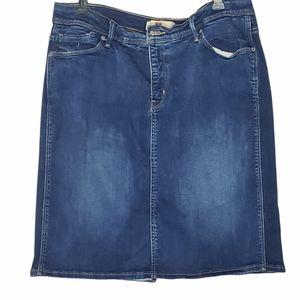 Levi's blue jeans skirt